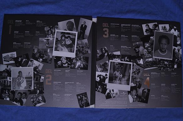 """Innerkonvolutet till skivrariteten """"Det Började För Längesen..."""" är fullt av ovanliga bilder från Ken Rings karriär. Skivan finns endast i 300 exemplar. Skivan innehåller 32 låtar från Ken Ring karriär. Foto: Peter Ahlborg"""