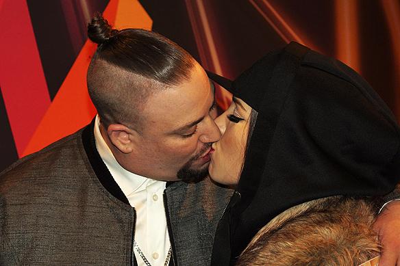 Nu väntar giftermål för Nano och hans stora kärlek Frida. Här kysser de varandra på Melodifestivalens efterfest i anslutning till Friends Arena den 11 mars 2017. Foto: Peter Ahlborg