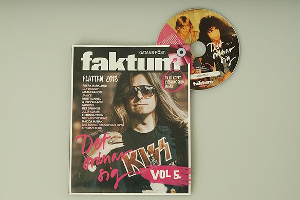 Så här ser omslaget till Faktum-plattan vol 5 ut, och CD n har en tryckt bild på Peter Ahlborg och Kiss medlemmen Paul Stanley. Det är en bild från när Peter träffade sina idoler i rockgruppen Kiss första gången 1988. Foto: Avfotografering av omslag Peter Ahlborg