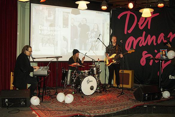 Franska Trion uppträder på Faktum-plattans releaseparty på Pustervikteatern i Göteborg den 22 februari 2018. Foto: Peter Ahlborg