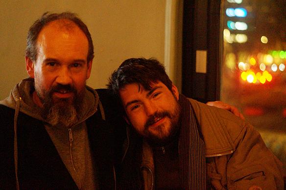 Två glada Faktum-försäljare på Faktum-plattans releaseparty på Pustervik. Foto: Peter Ahlborg