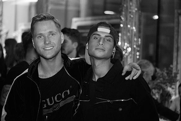 """Samir Badran och Viktor Frisk på efterfesten i Göteborg efter de gått till final i Melodifestivalen med låten """"Shuffla"""". Foto: Peter Ahlborg"""