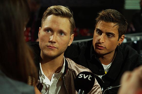 Samir & Viktor och LIAMOO på samma scen efter de gått vidare direkt till final i Melodifestivalen 2018. Foto: Peter Ahlborg