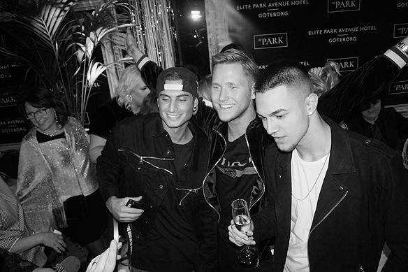 Tre glada vinnare. Samir & Viktor och LIAMOO firar alla tre att de gått vidare till final i Melodifestivalen 2018. Foto: Peter Ahlborg