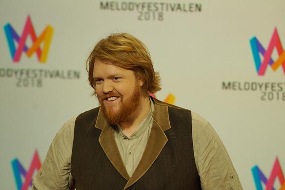 """Martin Almgren gick vidare med sin låt """"A Bitter Lullaby"""" direkt till final i Melodifestivalen från Malmö 2018. Foto: Peter Ahlborg"""