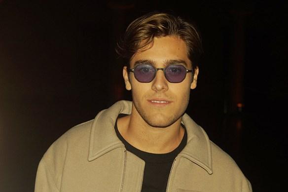 Rockstjärnestatus på dessa glasögon när Benjamin Ingrosso anländer till välkomstfesten i Stadshuset den 7 mars 2018. Foto: Peter Ahlborg
