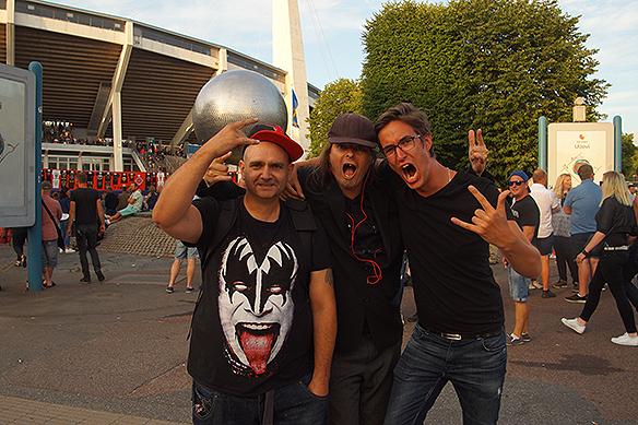 PeterAhlborg skriker ut sin glädje här några minuter innan konserten med Guns N' Roses som sätter igång exakt klockan 20.42 den 21 juli 2018 på Ullevi inför 64 000 fans. Foto: Privat.