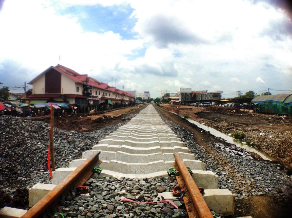アランヤプラテートからカンボジアへと延びる鉄道も工事中