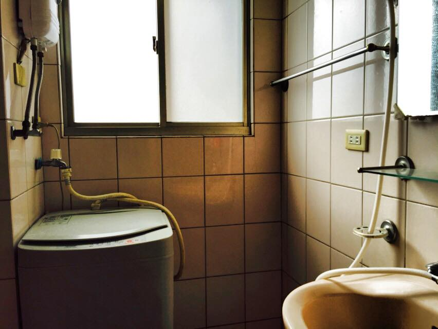 台湾のマンションのバスルーム