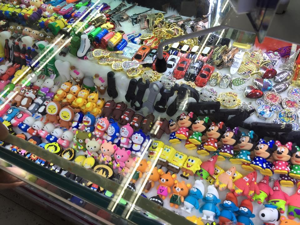 華強北で売られているマスコットUSB