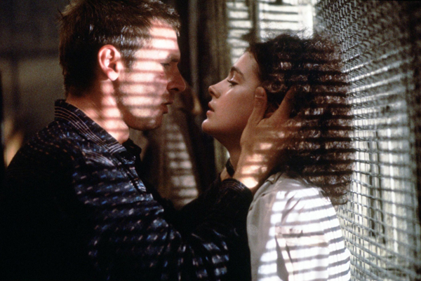 Harrison Ford en Sean Young in Blade Runner