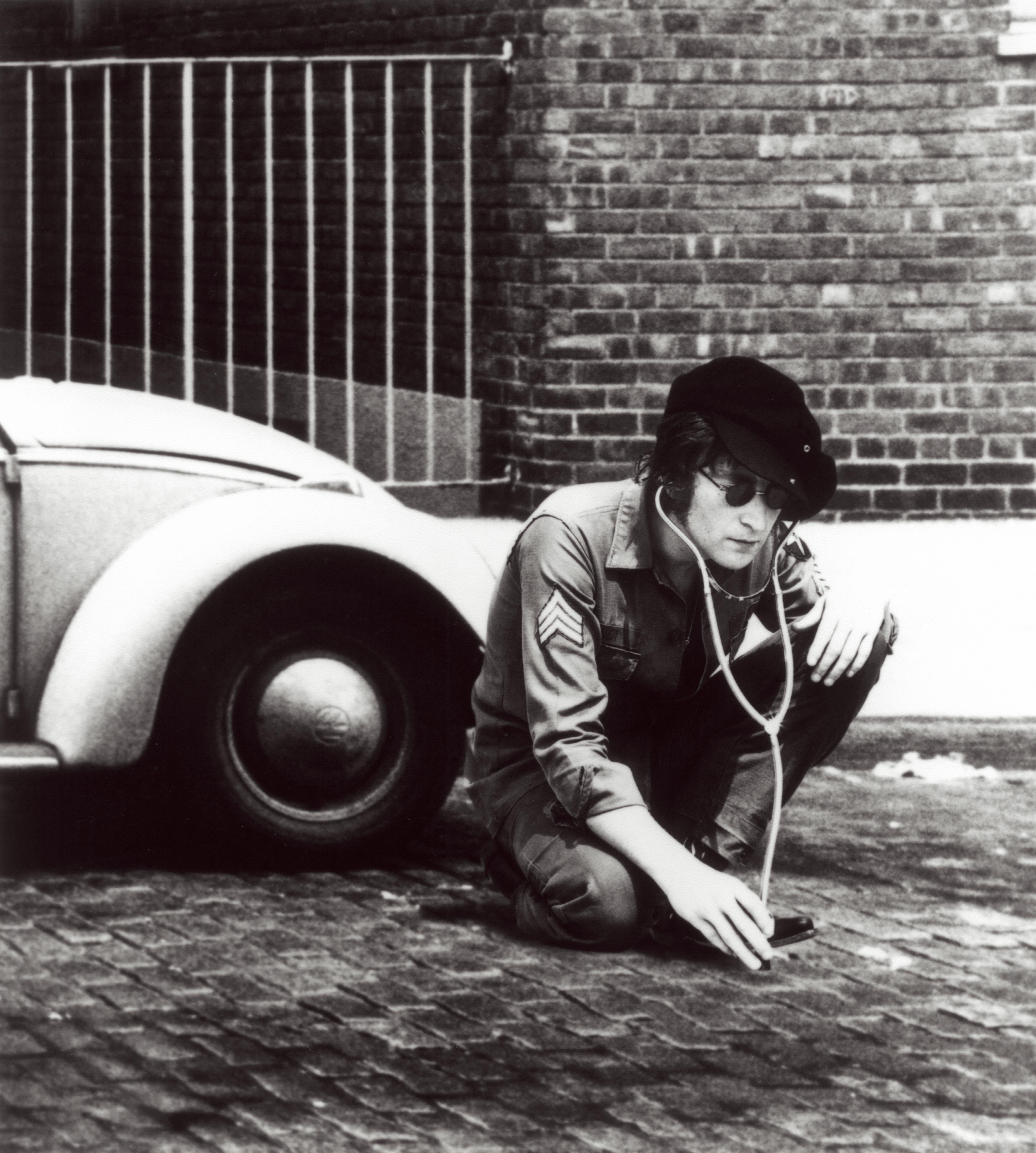 https://i2.wp.com/g-ec2.images-amazon.com/images/G/01/music/John_Lennon_5.jpg
