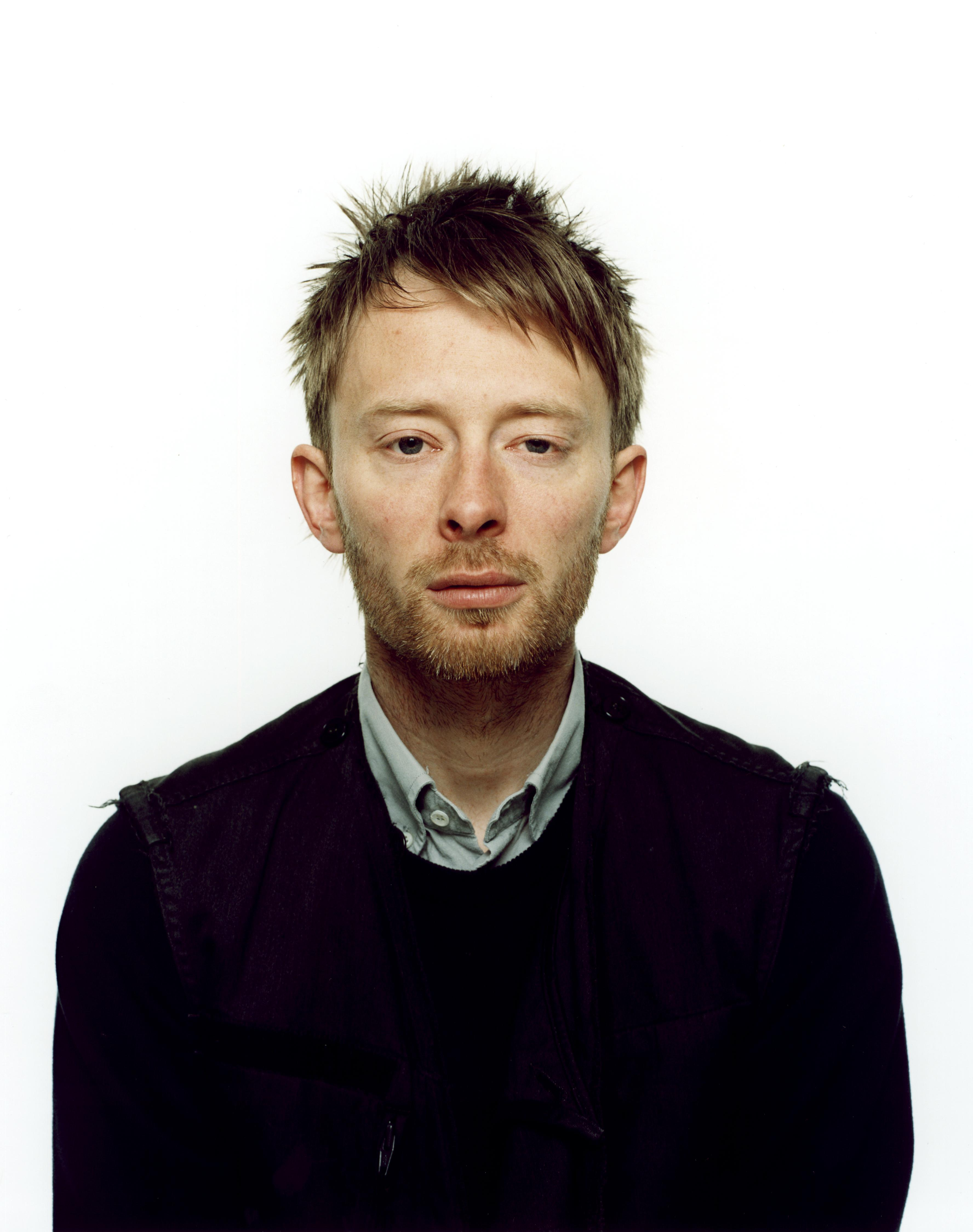 "//g-ec2.images-amazon.com/images/G/01/music/Radiohead_Thom.jpg"" cannot be displayed, because it contains errors."