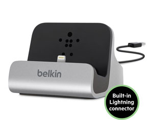 Belkin Charge + Sync Dock for iPhone 5 Product Shot