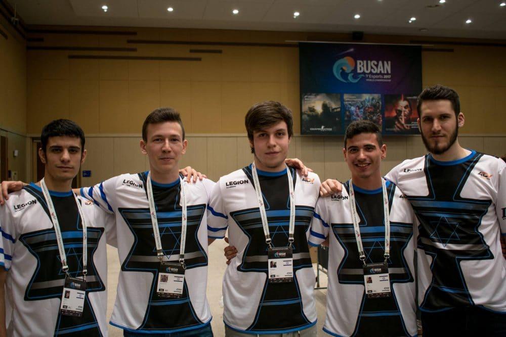 שחקנים מנבחרת ישראל. צילום: 4DV