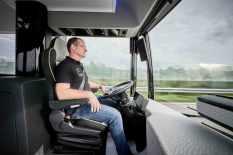 2016-mercedes-benz-future-bus-26