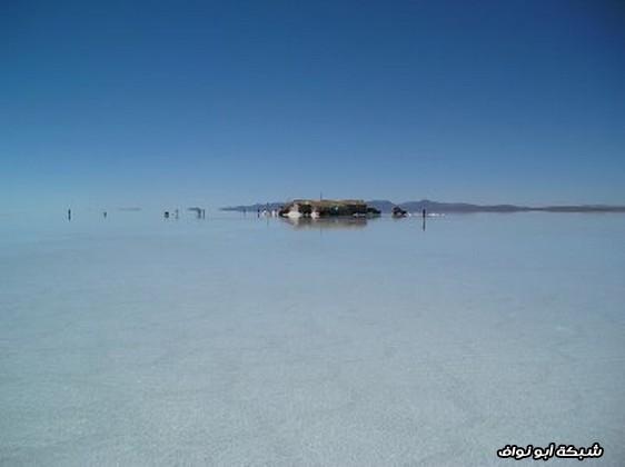 بحيرة متجمدة