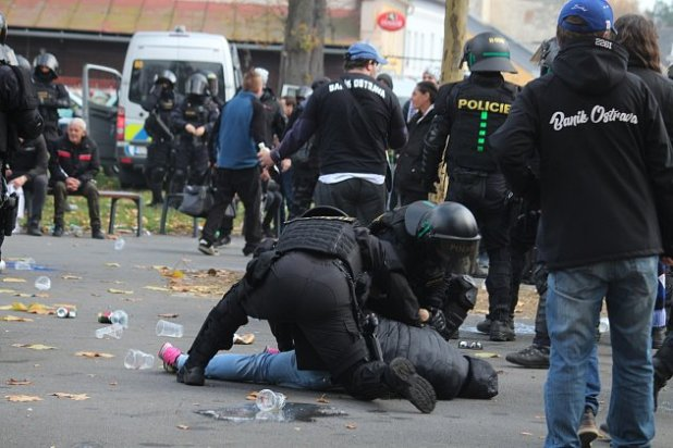 During the Opava and Banik matches, police officers had to deal with the riot in front of the stadium.