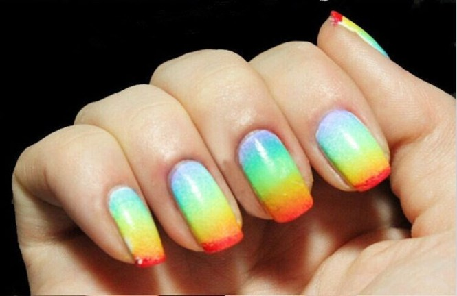 Get Ready For The Biggest Event Of Summer Steps To Create This Nail Art Design A Small Makeup Sponge