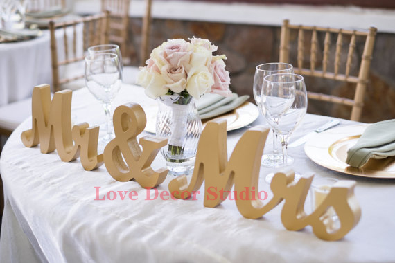 Aliexpress.com : Buy Gold Mr And Mrs Wedding Signs Table