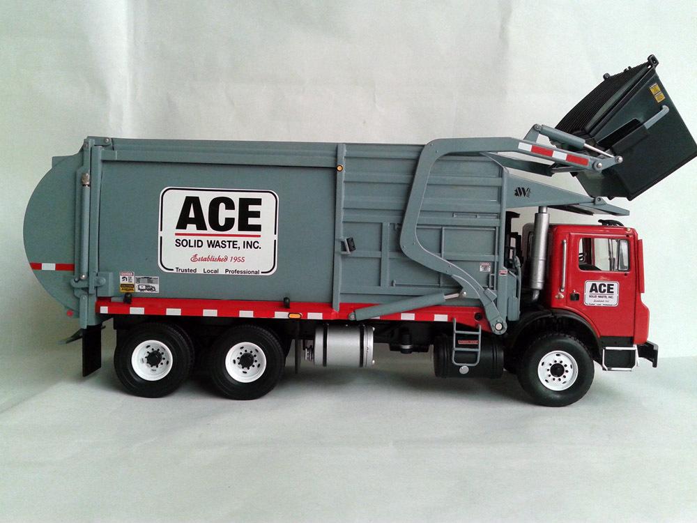 K Waste Management Terrapro Front Load Refuse Garbage Truck With Bin 1 34 Cast Model
