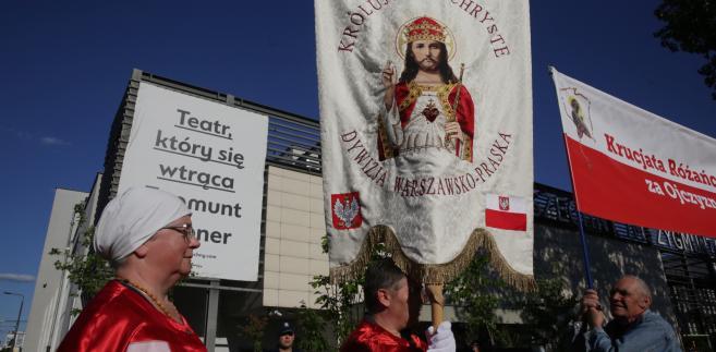 Ogólnopolski Protest Obrońców Świętej Wiary przeciwko spektaklowi Klątwa