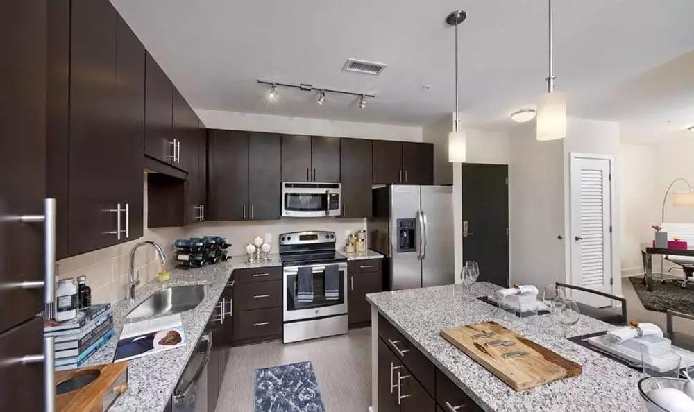 luxury studio, 1 & 2 bedroom apartments in atlanta, ga | berkshire