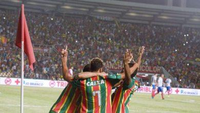 Photo of Sampaio contra o Bahia na Fonte Nova lotada