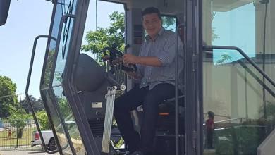 Photo of Prefeito de Mirinzal recebe motoniveladora