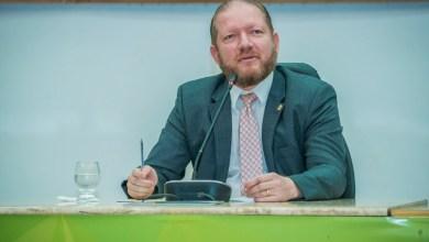 """Foto de Othelino Neto palestra durante Congresso """"30 Anos de Constituição Federal"""""""