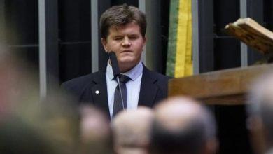 Foto de Deputado cego silencia a Câmara Federal com discurso