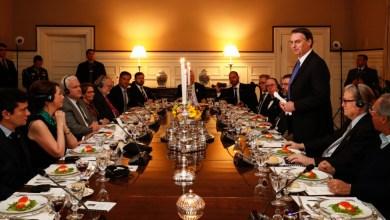 Foto de Jair Bolsonaro se reúne com extremistas americanos
