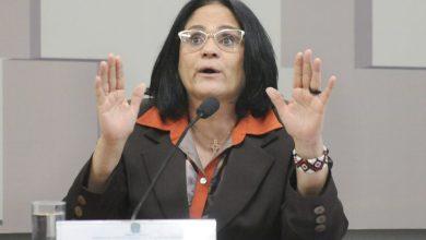 Foto de Damares Alves e suas declarações duvidosas de ameaças