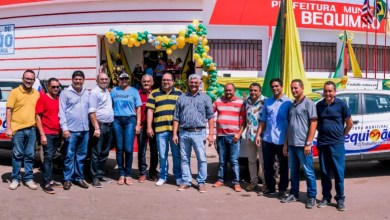 Foto de Zé Martins entrega novos veículos e anuncia mais obras em Bequimão