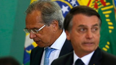 Foto de Bolsonaro deu poder para Paulo Guedes vender o Brasil