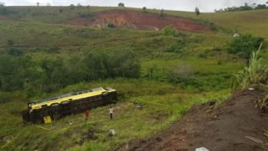 Foto de Ônibus que saiu de São Luís para o RJ capota e deixa mortos
