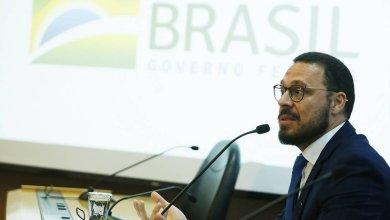 Photo of Diretor da linha de frente do Ministério da Saúde se afasta por divergências