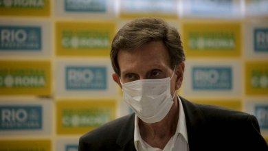 Foto de Bolsonaro não ataca Crivella que ampliou isolamento no Rio até 15 de maio