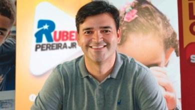 Foto de Rubens Júnior usa redes sociais para contar história de bairros em série de vídeos