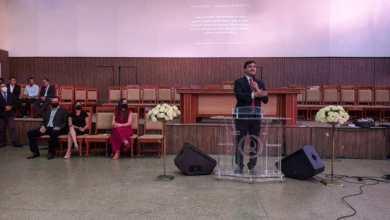 Foto de Rubens Jr apresenta propostas em evento para evangélicos