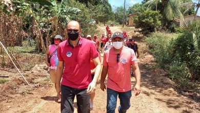 Foto de João Martins e Magal visitam moradores do povoado Santa Vitória
