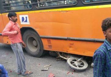 bijwasan bus accident 11 cars (3)