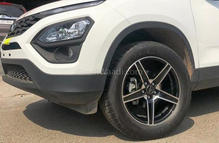 tata harrier with R18 tyres-1