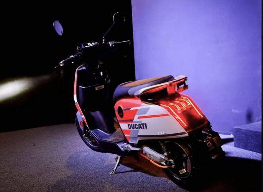 Super-Soco-Ducati-electric-scooter-revealed-2