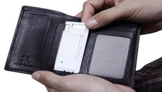 Charged-Card Tarjeta Bateria