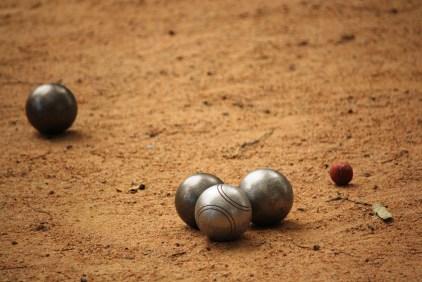 Pétanque balls