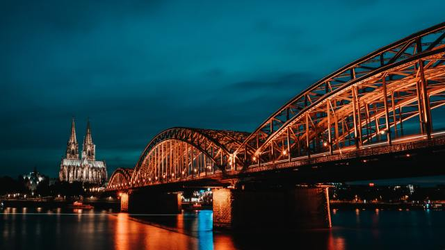 reasons to visit Cologne-germany-night