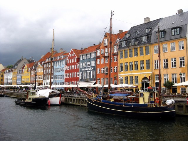 nyhavn budget travel guide to Copenhagen