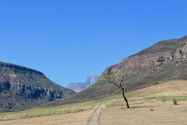 start of rainbow gorge drakensberg