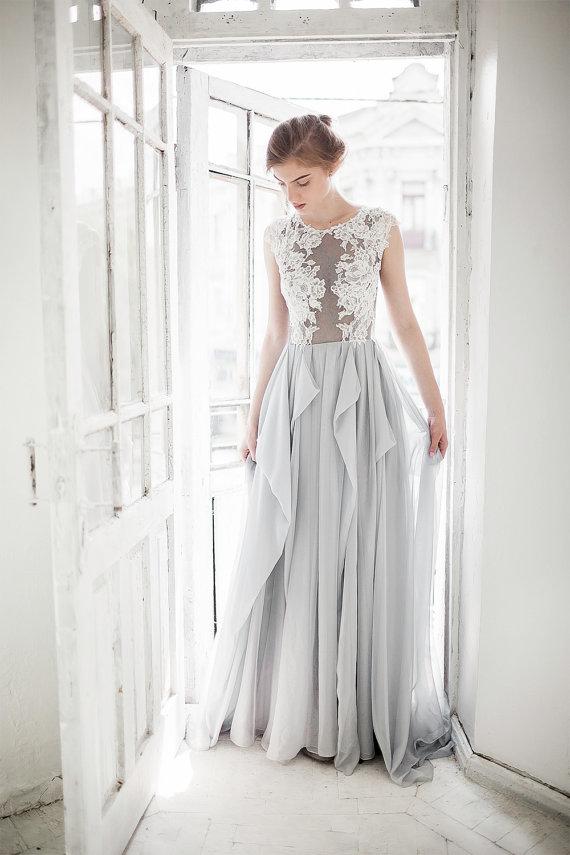 Vestido gris largo